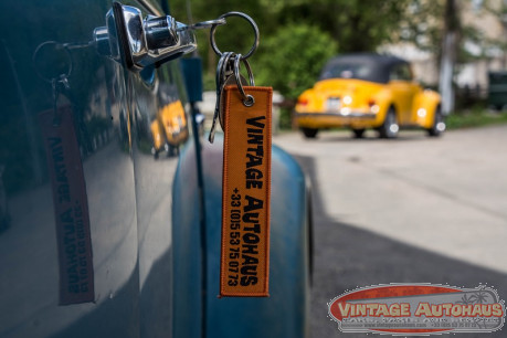"Porte clés orange  ""DON'T STORE YOUR CAR"""