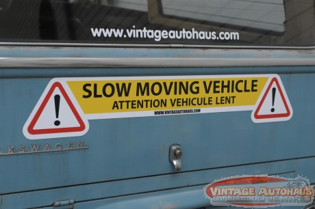 "Magnet ""Slow moving vehicule"" by Vintage Autohaus"